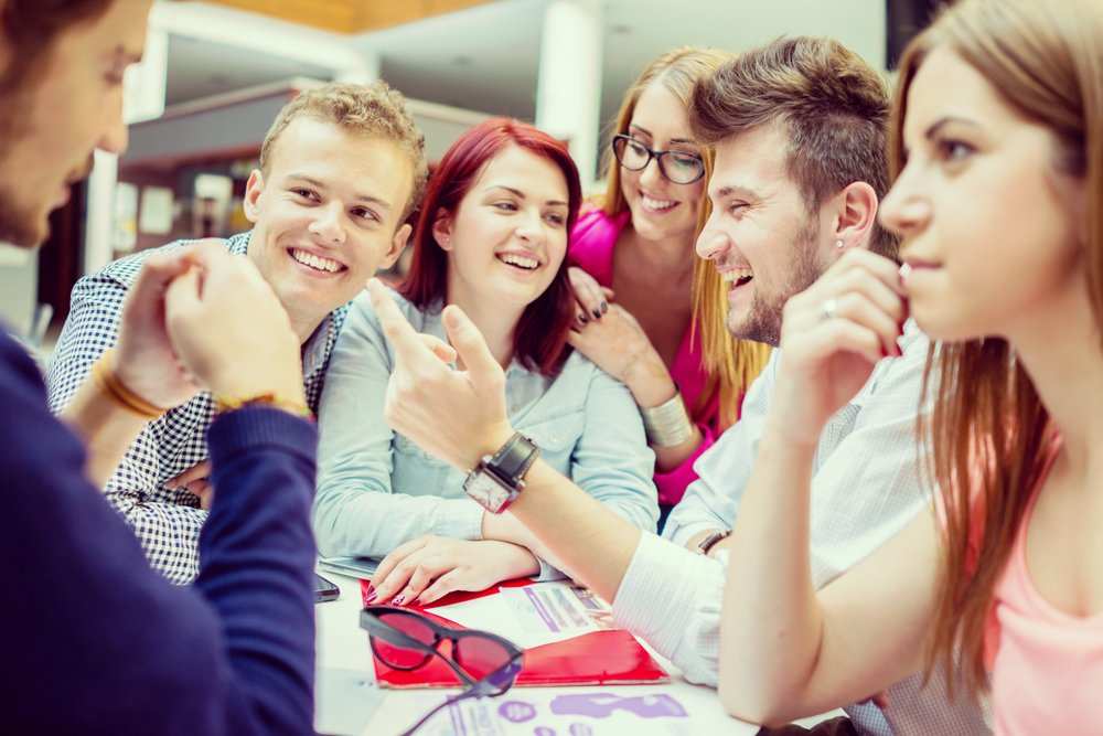 Schulungen können sich positiv auf das Arbeitsklima in Teams auswirken.