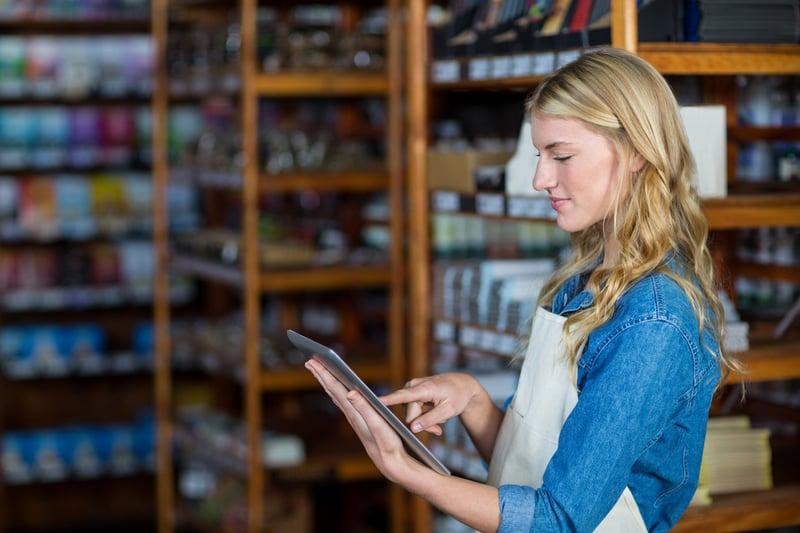 Tablets ermöglichen als multifunktionale Helfer in KMU das Lernen direkt am Arbeitsplatz.