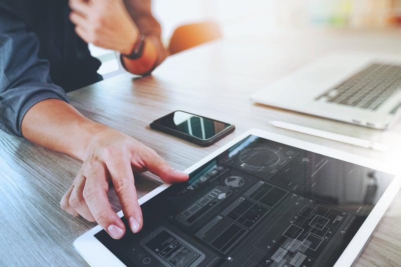 Digitalisierung heißt Veränderung: Tablet, Smartphone, Laptop