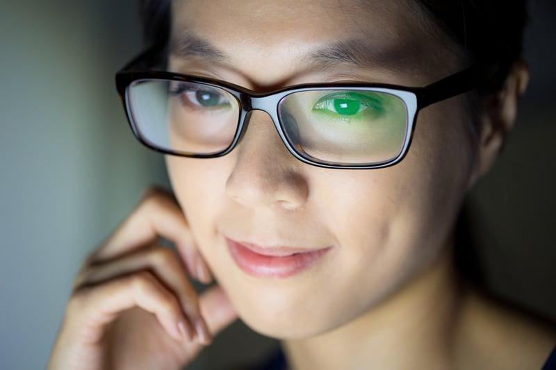 Unsere Augen sind horizontal angelegt – deshalb solltest du auch horizontal mit deinem Smartphone filmen.