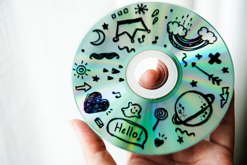 DVDs und CDs haben im Jahr 2019 nur noch bloßen Erinnerungswert.