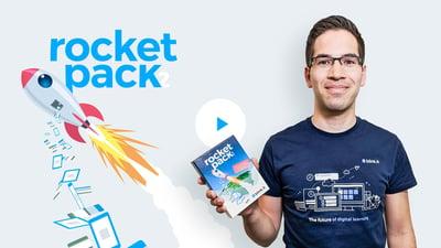 Michael zeigt das rocket pack – das Kartenspiel für Blended Learning