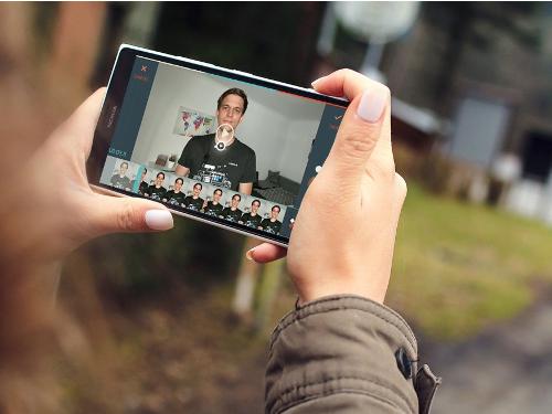 filmora-go-konstantin-filmen-mit-dem-smartphone-klein